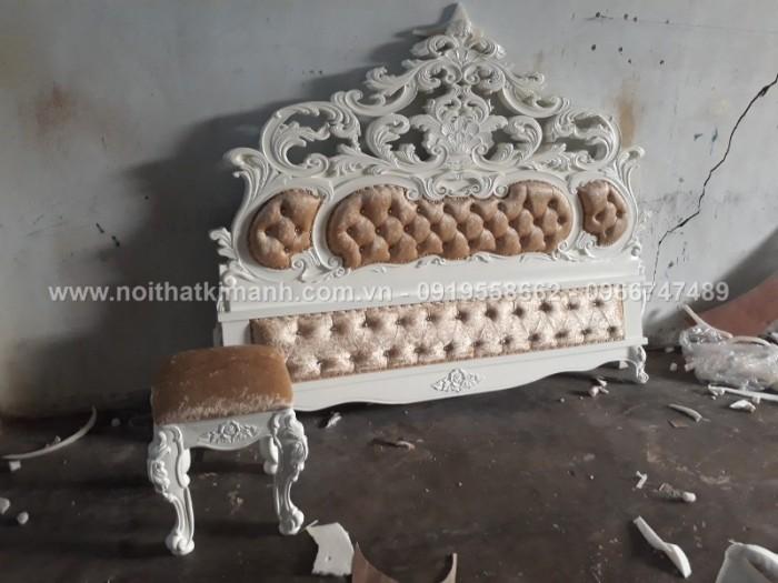 xưởng sản xuất giường ngủ cổ điển25