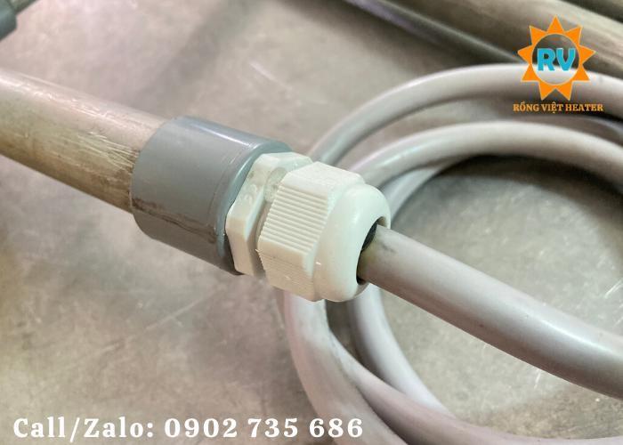 Điện trở đun nước kèm hoá chất  L phi 25-900-200-380V-3KW3