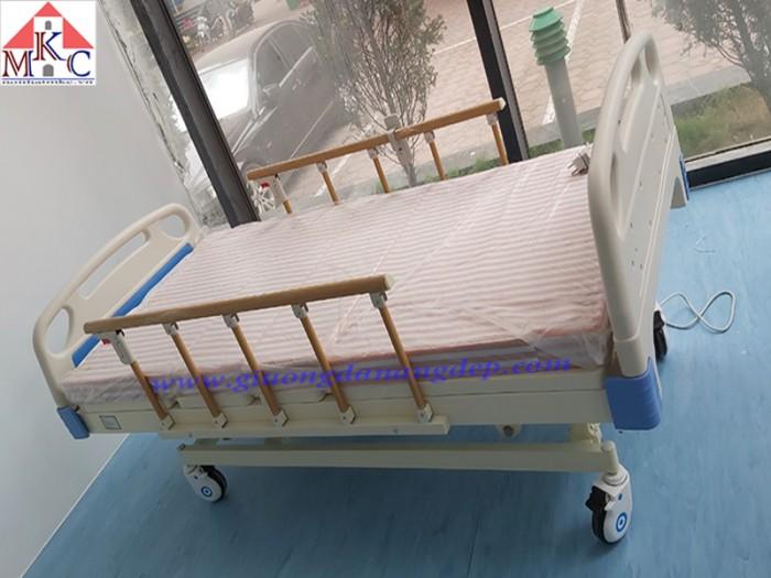 Các mẫu giường bệnh điều khiển bằng điện giá chỉ 10.5tr7