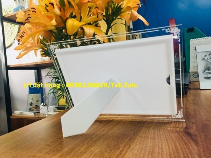 Biển menu có đèn led để bàn –Gia công hộp đèn siêu mỏng giá rẻ11