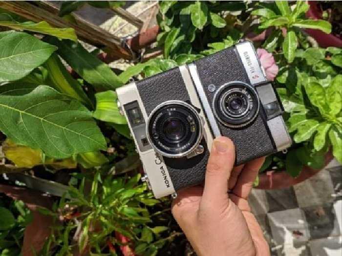 Máy ảnh film Konica C350