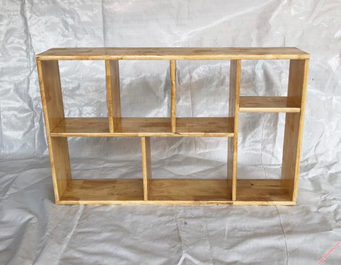 Kệ sách treo tường đẹp gỗ cao su màu gỗ tự nhiên 1m42