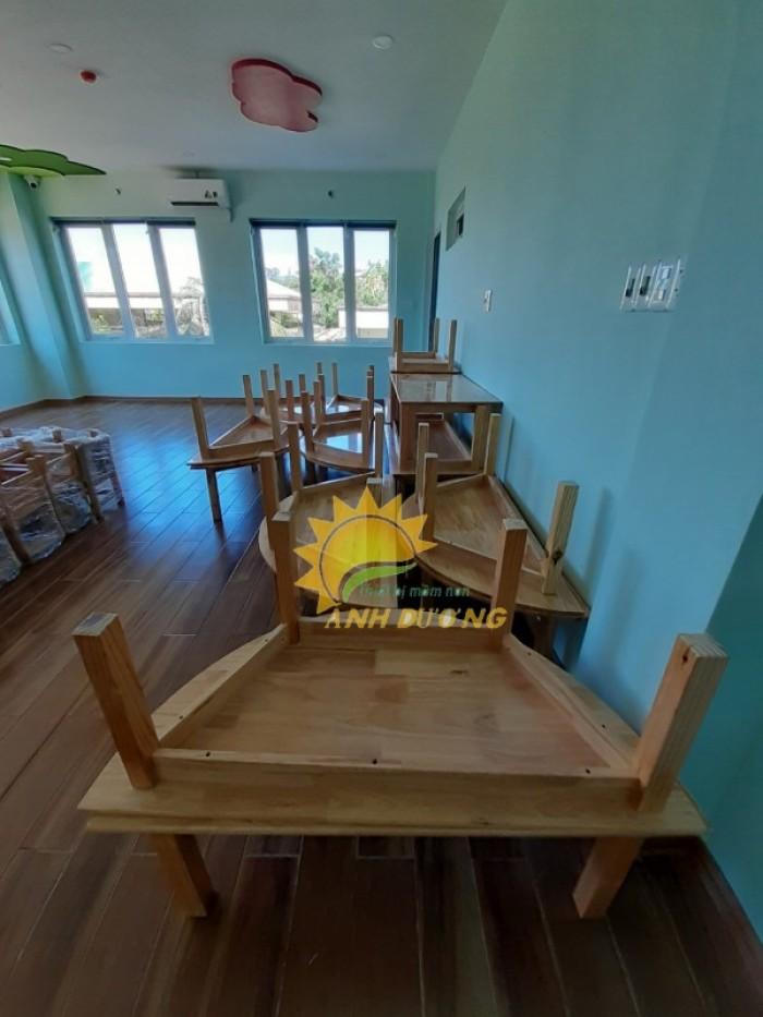 Cung cấp bàn và ghế gỗ mầm non giá rẻ, uy tín, chất lượng nhất13