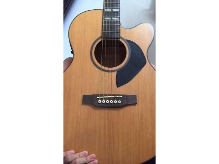 Guitar acoustic1