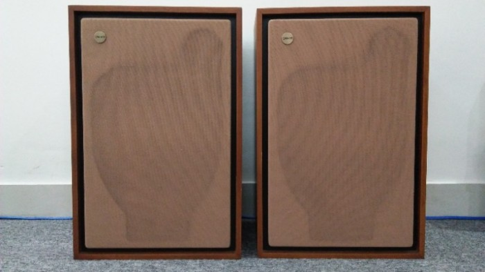LOA TANNOY EATON 295A . MADE IN GREAT BRITAIN0