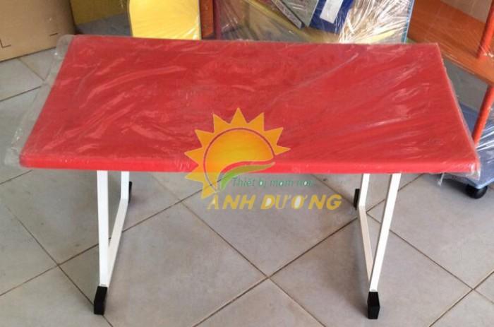 Chuyên cung cấp bàn ghế nhựa cao cấp cho bé mầm non giá rẻ, chất lượng cao1