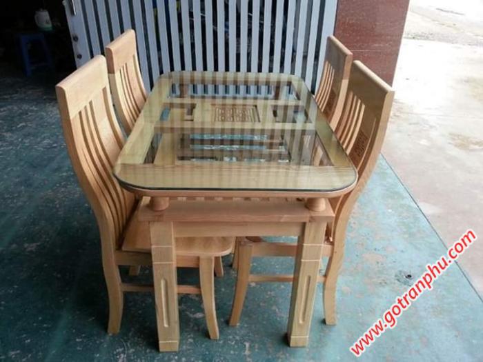 Bàn ăn đẹp gỗ tự nhiên gỗ sồi Nga 4 ghế0