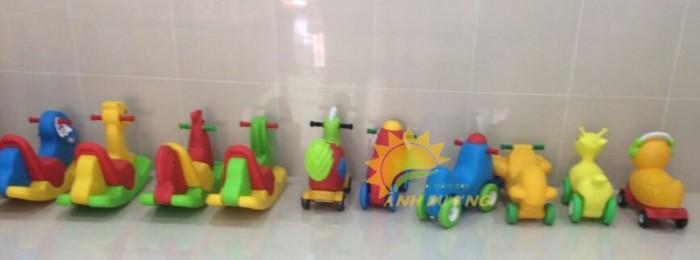Xe chòi chân 4 bánh hình con vật đáng yêu cho trẻ em mầm non4
