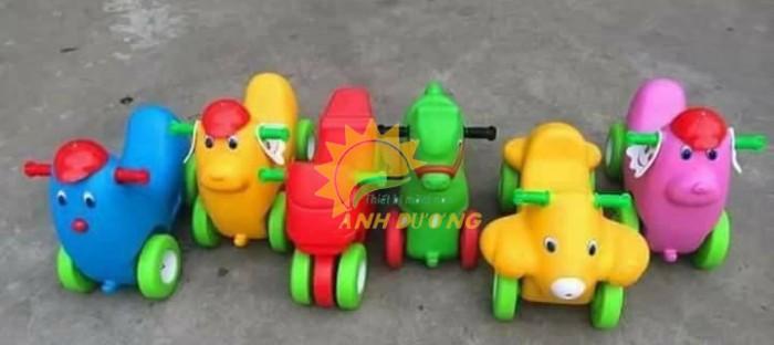 Xe chòi chân 4 bánh hình con vật đáng yêu cho trẻ em mầm non5