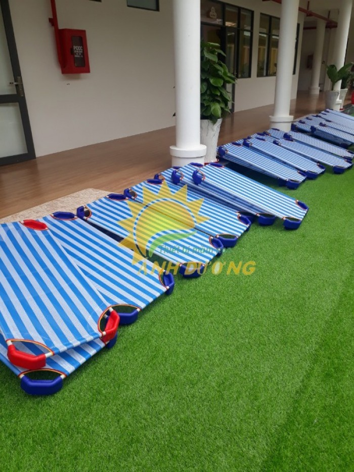 Chuyên cung cấp giường ngủ lưới thoáng mát cho trường lớp mầm non, gia đính9