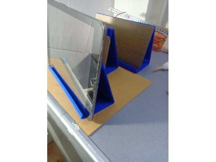 Kệ trưng bày iPhone iPad giá 40k0