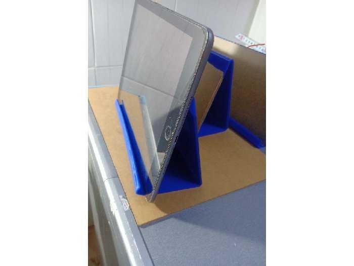 Kệ trưng bày iPhone iPad giá 40k1