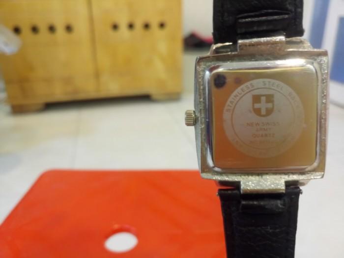 Đồng hồ quartz vuông dây da .3