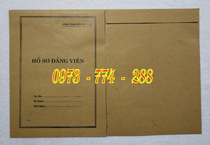 Bán lý lịch của người  xin vào đảng gồm có quyển bìa trắng, bìa xanh, bìa màu búa liềm11