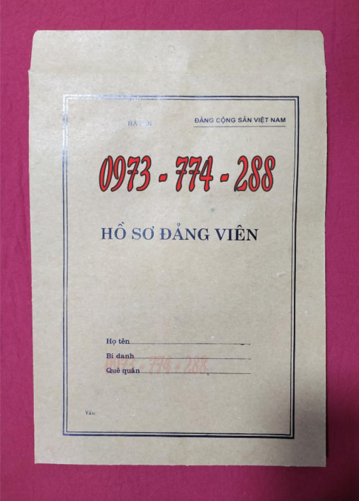 Bán lý lịch của người  xin vào đảng gồm có quyển bìa trắng, bìa xanh, bìa màu búa liềm16