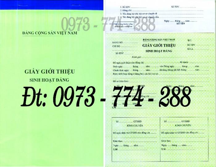 Bán lý lịch của người  xin vào đảng gồm có quyển bìa trắng, bìa xanh, bìa màu búa liềm25