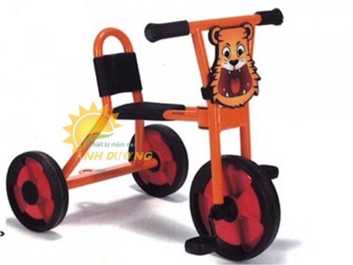 Xe đạp 3 bánh cho trẻ em mầm non tập đi giá cực SỐC11