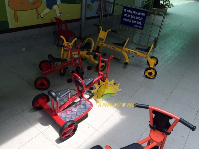 Xe đạp 3 bánh cho trẻ em mầm non tập đi giá cực SỐC6