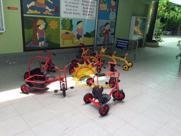 Xe đạp 3 bánh cho trẻ em mầm non tập đi giá cực SỐC12