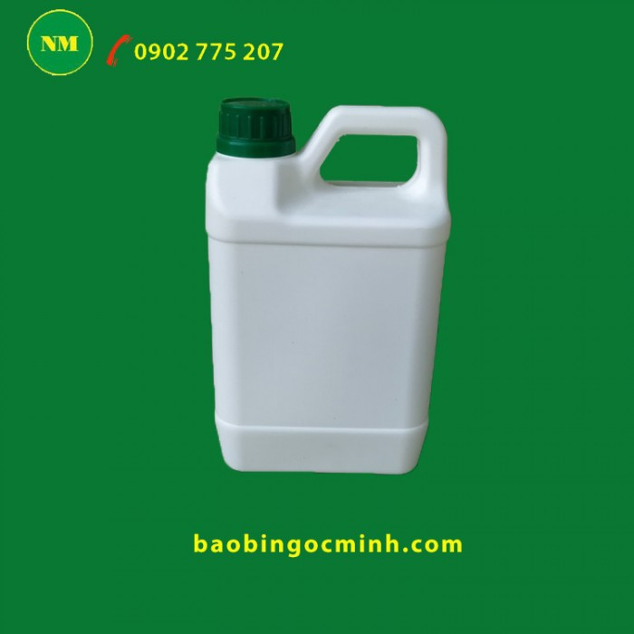Can nhựa 2 lít đựng chất lỏng. 11