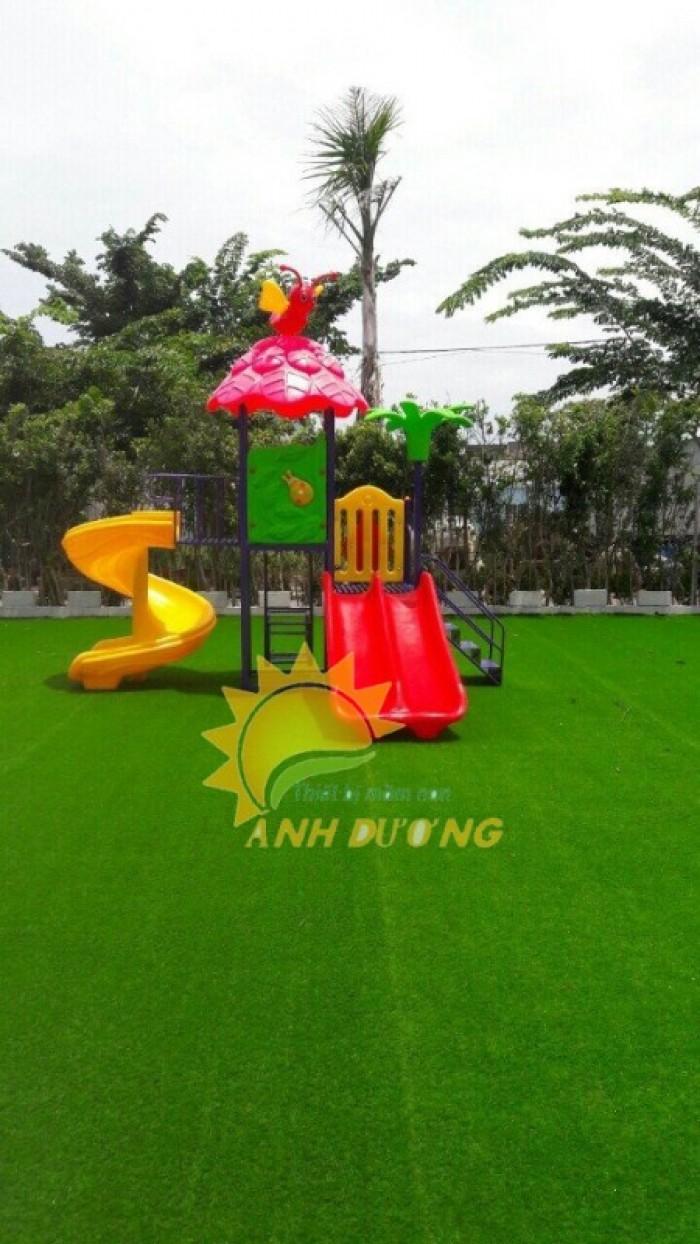 Cỏ nhân tạo trang trí cho trường mầm non, sân chơi, khu vui chơi, TTTM18