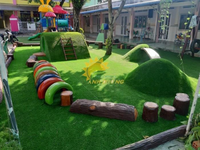 Cỏ nhân tạo trang trí cho trường mầm non, sân chơi, khu vui chơi, TTTM11