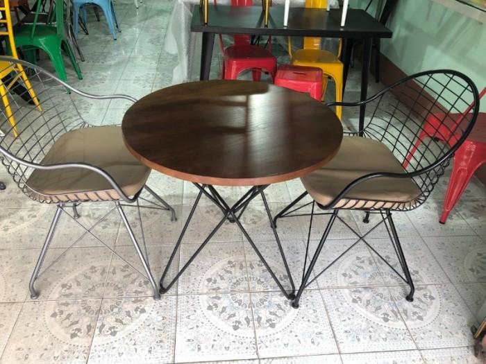 Cần thanh số lượng lớn bàn ghế mỹ ghệ dùng cho quán cafe..1