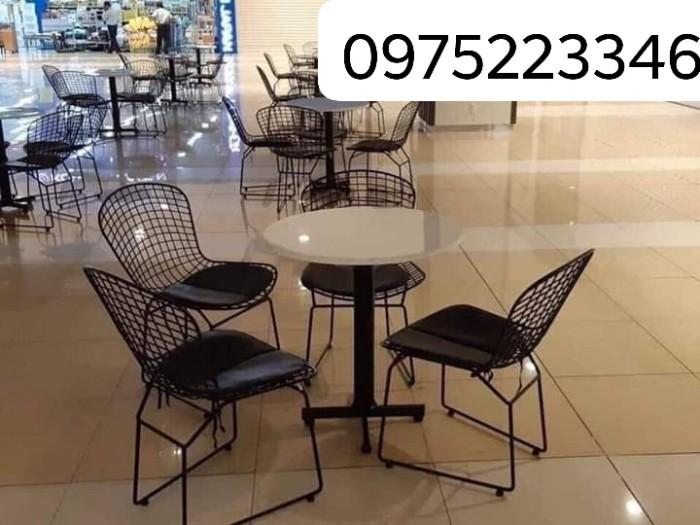 Bộ bàn ghế nhà hàng cafe sân vườn  giá siêu rẻ..3