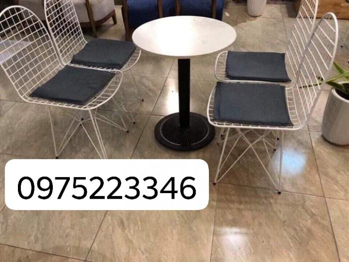 Bộ bàn ghế nhà hàng cafe sân vườn  giá siêu rẻ..5
