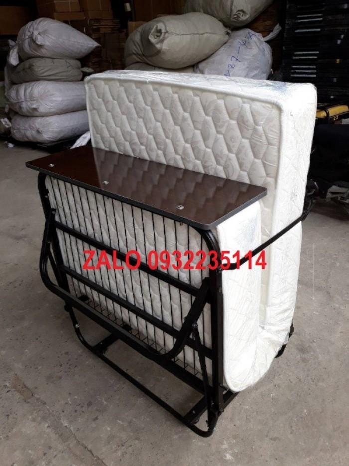 Kích thước giường gấp extra bed phổ thông và theo tiêu chuẩn là: - Kích thước khi mở: 900*1900*500 mm - Kích thước khi gấp: 900*1100*600 mm1
