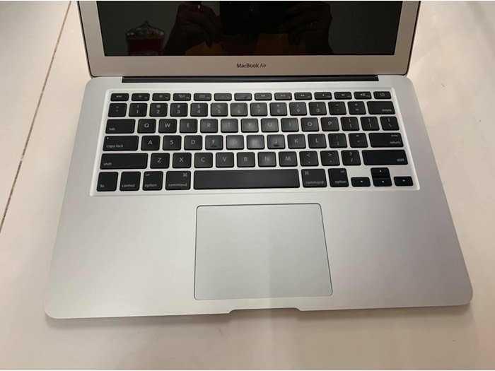 Macbook Air 13 2013 i7 4g 256g đẹp nguyên zin0