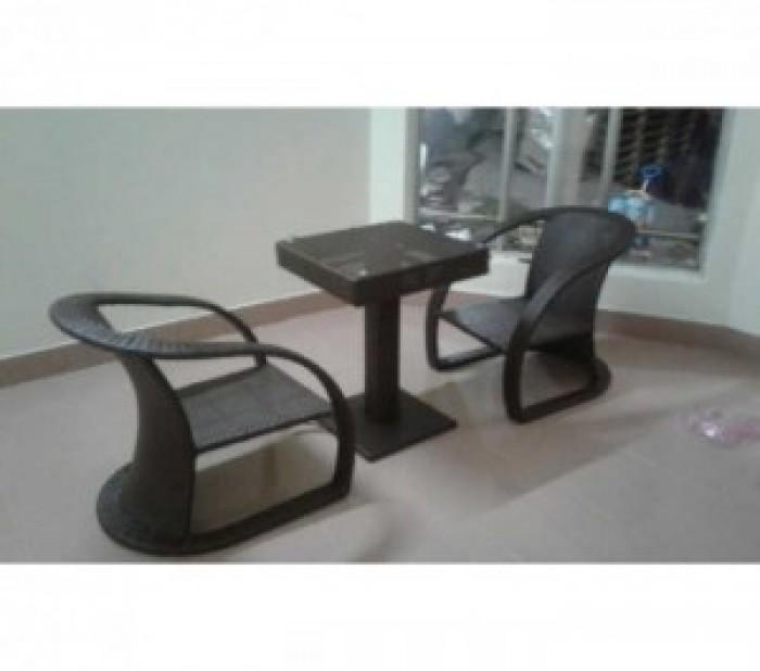 Công ty chúng tôi hiện đang sản xuất và cung cấp các sản phẩm bàn ghế..1
