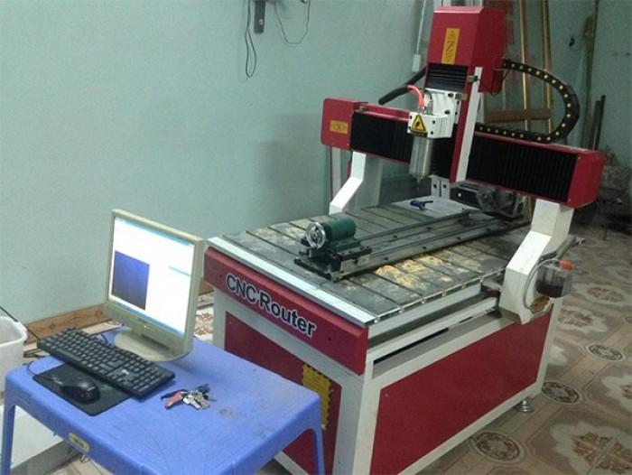 Máy cnc 6090 dùng cho chạm khắc tượng gỗ, sản xuất đồ nội thất, thủ công1