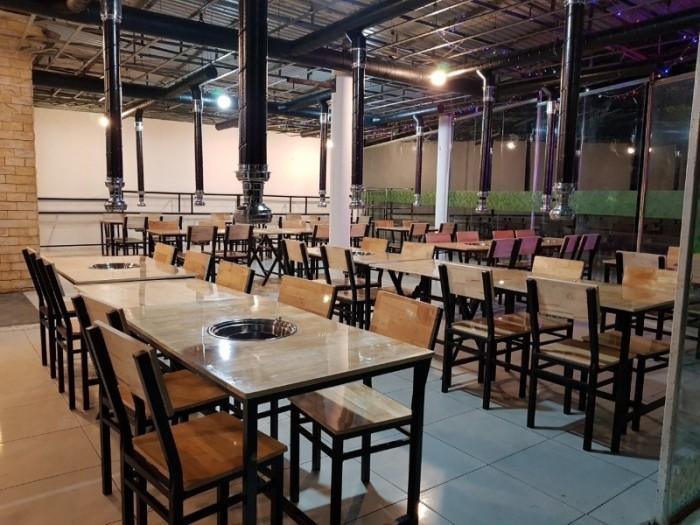 Bàn ghế dùng cho quán ăn nhà hàng sang trọng..3