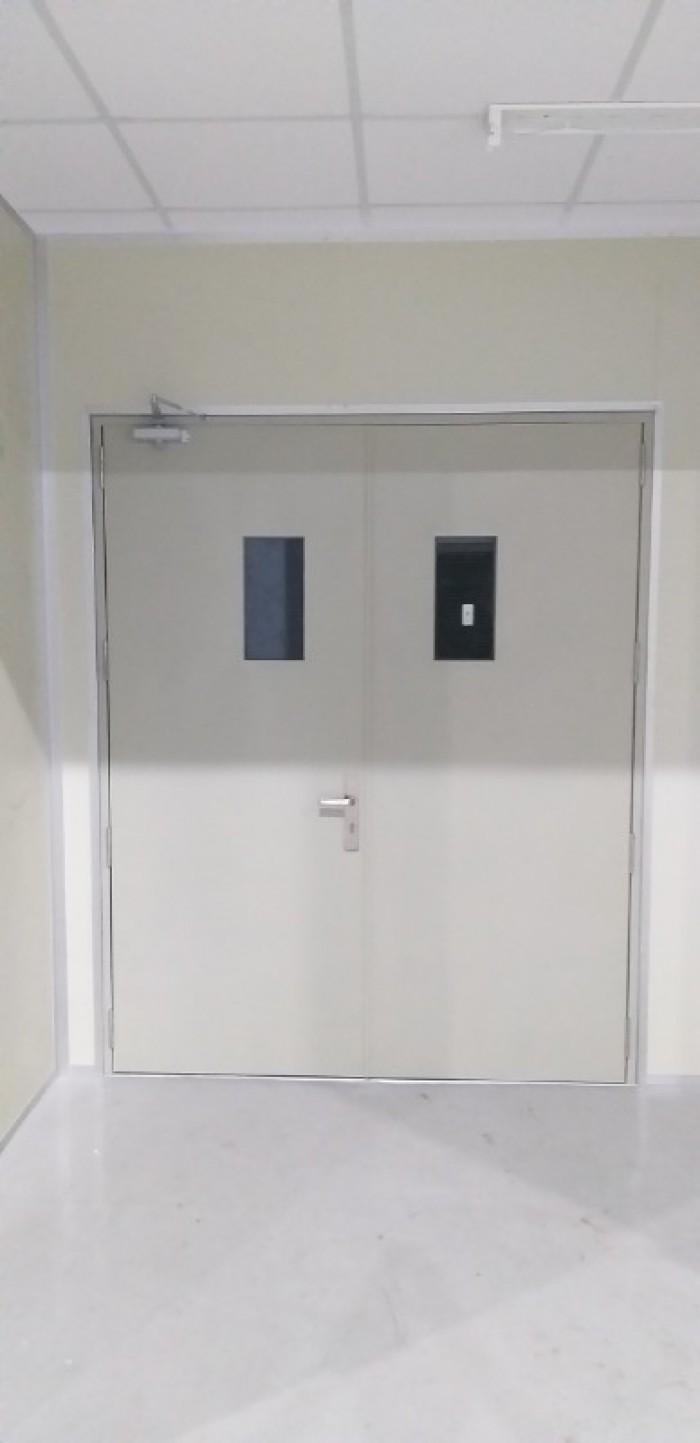 cửa thép chống cháy 2 cánh0