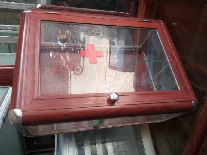 Tủ nhôm kính loại tủ y tế1