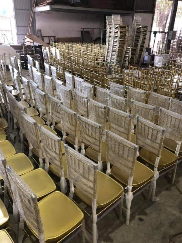 Thang lý ghế nhà hàng sắt sơn tỉnh điện cao cấp3