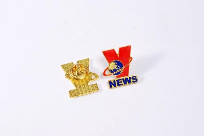 Huy hiệu cài áo in ấn logo tương hiệu8