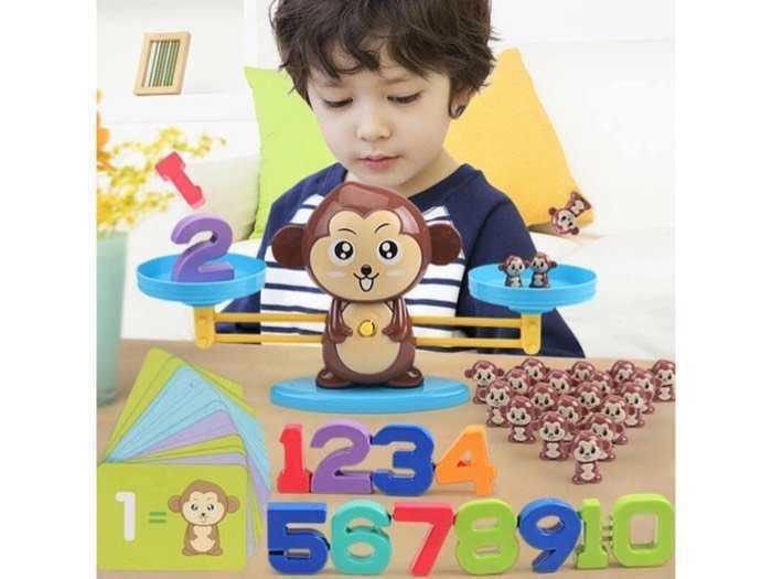 Bộ đồ chơi khỉ cân bằng giúp bé say mê học toán