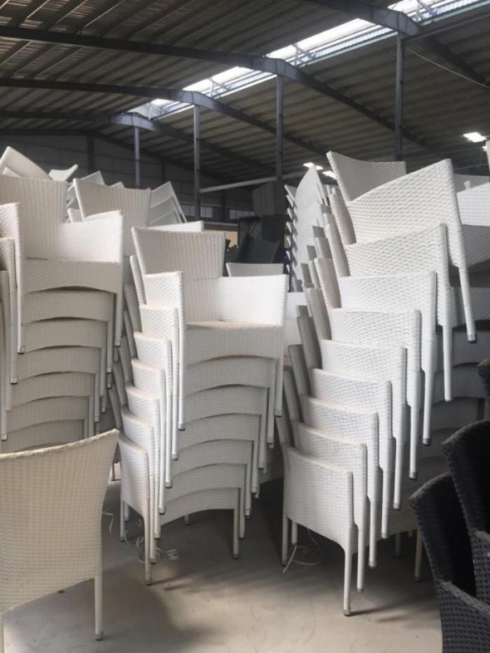 Cần thanh lý 100 ghế mây nhựa giá rẻ..1