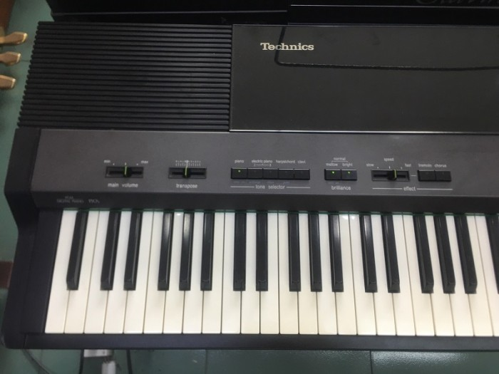 Piano điện fp7s0