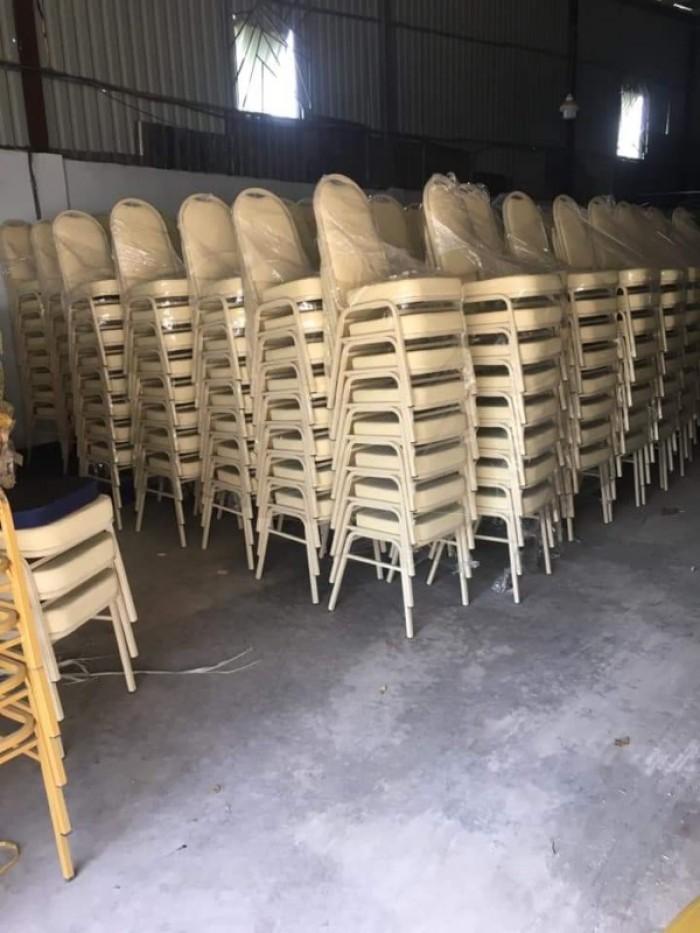 Em cần thanh lý gấp bàn ghế nhà tiệc cưới giá cực rẻ ..2
