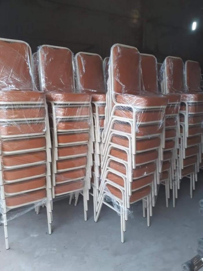 Em cần thanh lý gấp bàn ghế nhà tiệc cưới giá cực rẻ ..4