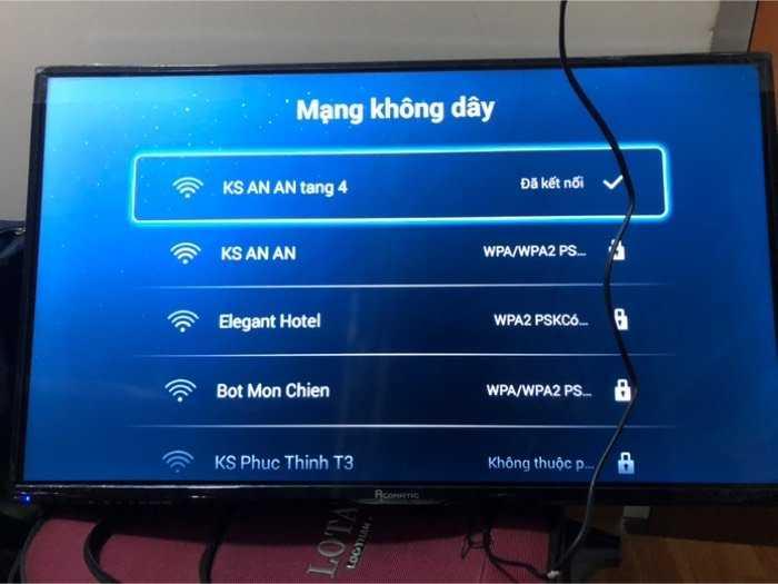 TiVi ACONATIC 32in wifi USB kết nối internet0