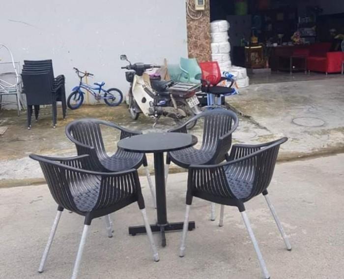 Ghế nhựa đúc chân nhôm giá rẻ..1
