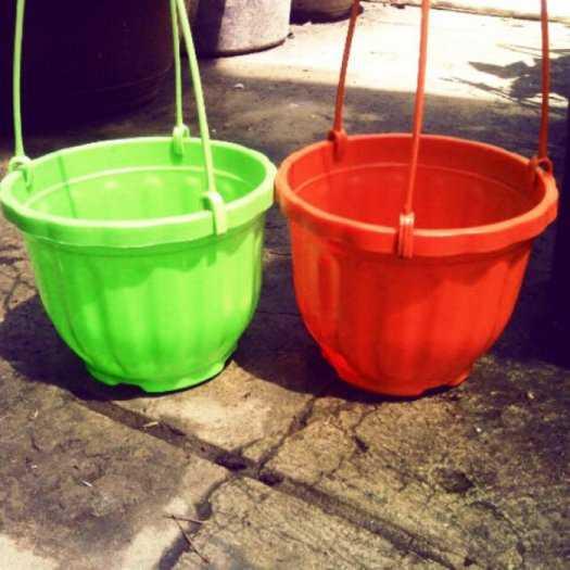 Chậu nhựa treo - Chậu trồng hoa Thakico1