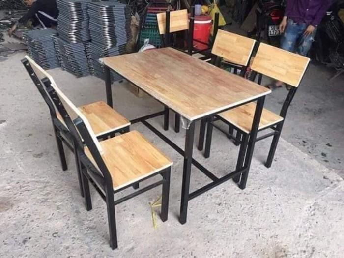 Bàn ghế dùng cho mọi không gian quán..4