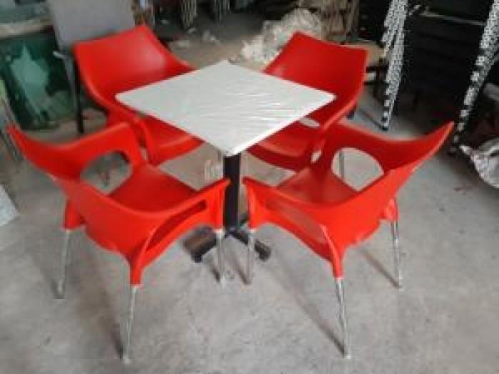 Ghế nhựa đúc bền màu..1