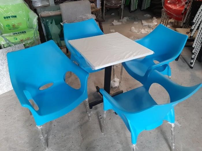 Ghế nhựa đúc bền màu..2