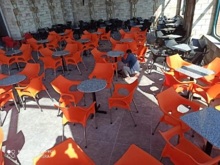 Ghế nhựa đúc bền màu..3
